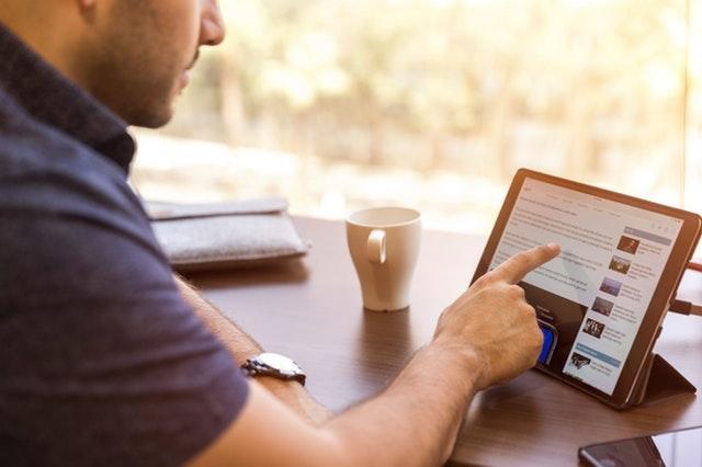 Build a Construction Website Man Using iPad