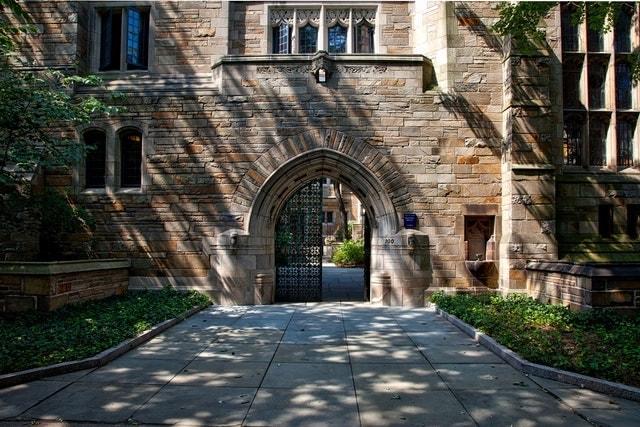 Financial Advisor Jobs Dappled College Sidewalk