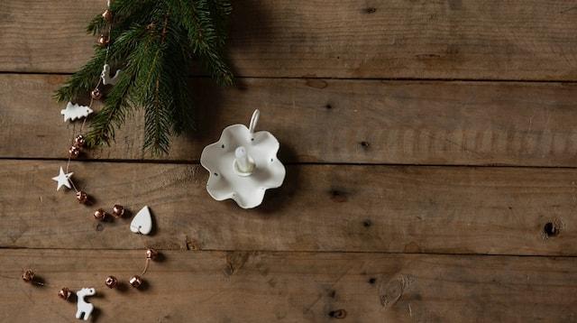Social Media Marketing Holiday Decorations